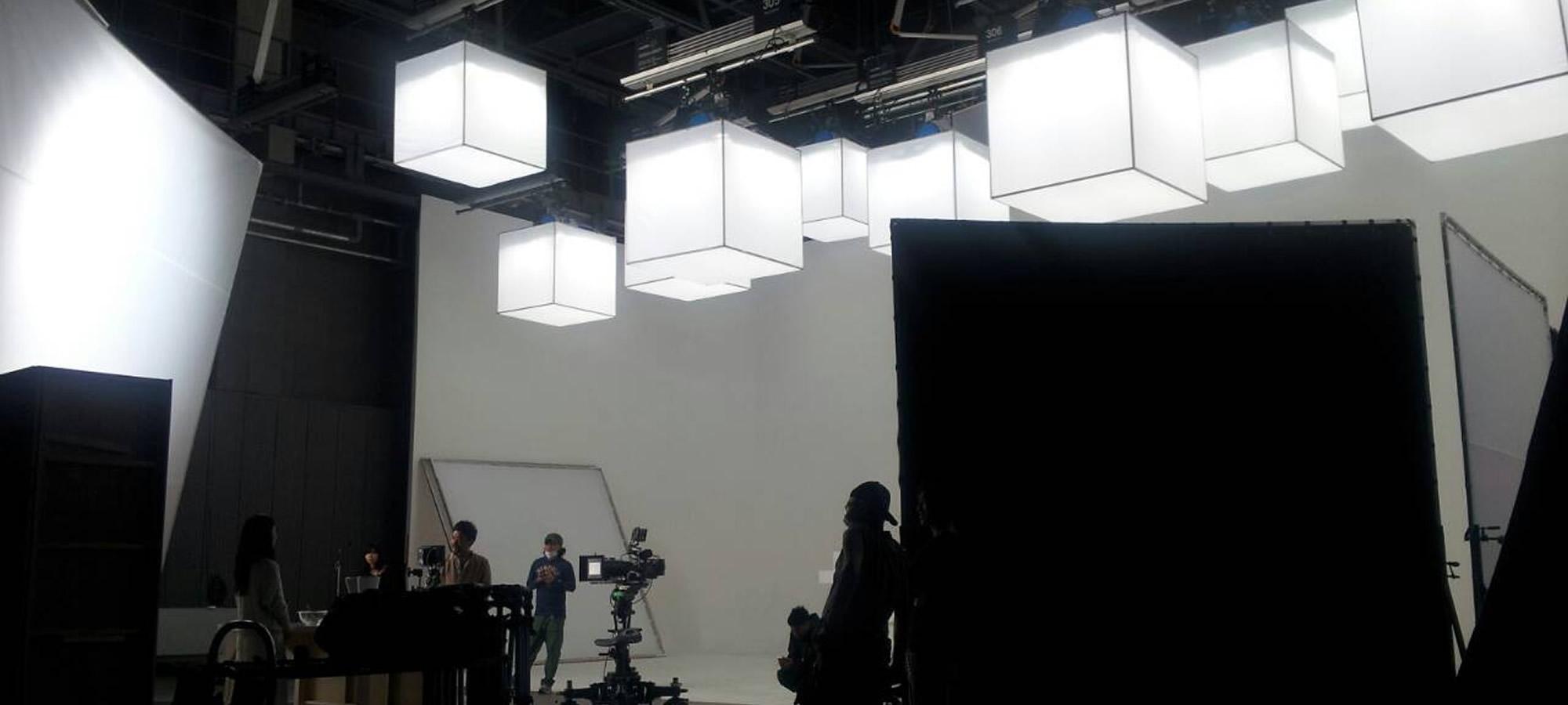 株式会社ヒート / 照明技師・照明機材・電源車・ロケバスのレンタル
